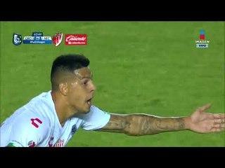 Cabezazo de Quiroga anota gol a favor del Rayos   Querétaro vs Necaxa
