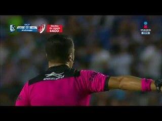 Sorprendente tiro a gol se estrella en el poste   Querétaro vs Necaxa