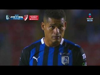 Ayron del Valle cobra falta contra Marcel Ruiz   Querétaro vs Necaxa