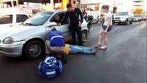 Mulher fica ferida após bater com carro na Rua Manaus