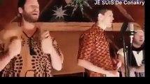 ''Guinè men wèlaye toun'' de l'icône Sory Kandia chanté par des Occidentaux