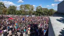 Time-lapse shows tens of thousands at Montreal climate protest