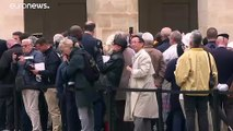Hundreds queue in Paris to say farewell to Jacques Chirac