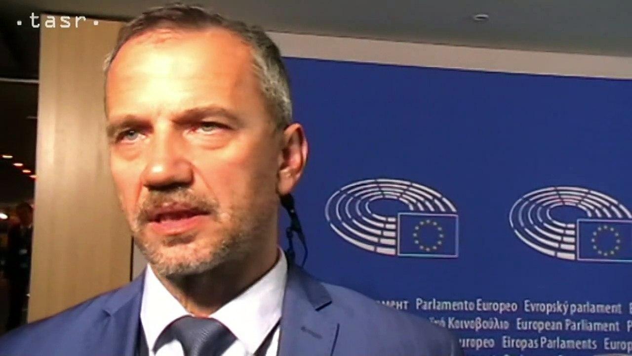 R. Hajšel a I. Štefanec o vypočúvaní M. Šefčoviča v EP