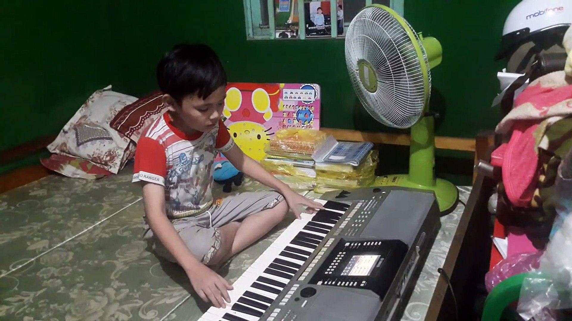 Hoc sinh lop 6 - Truong xua tinh cu keyboard organ