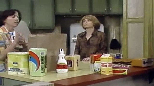 One Day at a Time Season 1 Episode 6 Julie's Best Friend