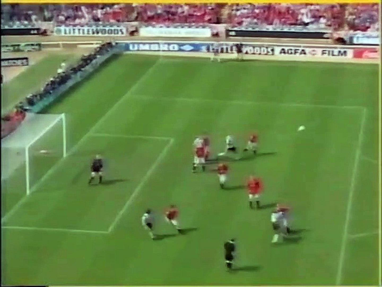 Community Shield 1996 - Manchester United v Newcastle United - 1.Half