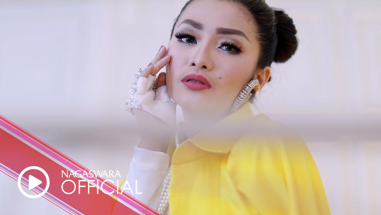 Fitri Carlina – Jangan Menangis Untukku | EDM Reggae Ver. (Official Music Video NAGASWARA) #music
