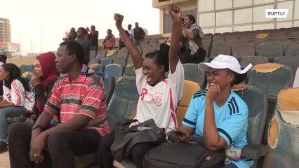 La primera liga de fútbol femenino de la historia comienza en Jartum con un empate 2-2