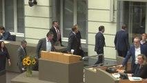 Incident au parlement flamand : l'opposition quitte l'hémicycle pour protester contre la décision de Jan Jambon
