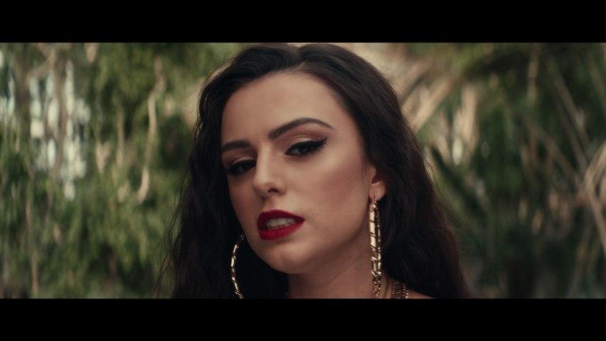Cher Lloyd - M.I.A