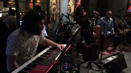 Live Eli La O at a Club (Bikini Jazz)