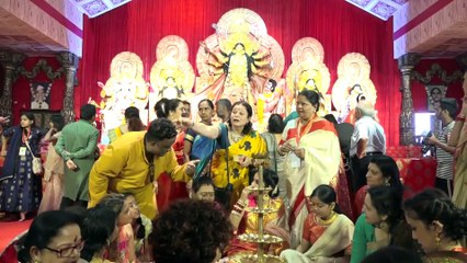 Kajol, Rani Mukherjee, Tanuja, Sumona & Others At Grand Durga Puja-1