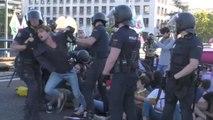 Protestas, cortes del tráfico y varias detenciones en una sentada contra el cambio climático hoy en Madrid