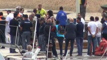 Migranti, a Lampedusa le prime salme recuperate dopo il naufragio