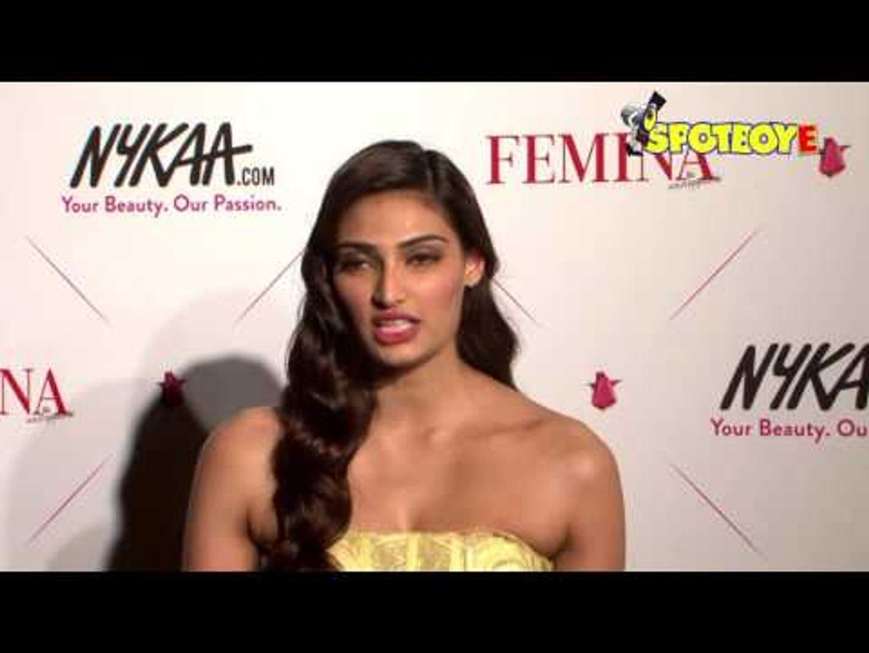 Aditi Rao Hydari & Athiya Shetty REVEALS Her Daily MAKEUP Routine | SpotboyE