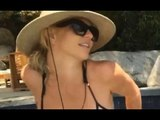 Britney Spears flaunts her INCREDIBLY TONED CURVES | Hollywood High