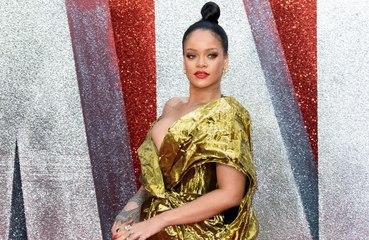 Rihanna görsel otobiyografisini yayınlıyor