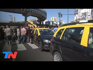 Taxis vs. Uber   Otra protesta de taxistas contra Uber y Cabify