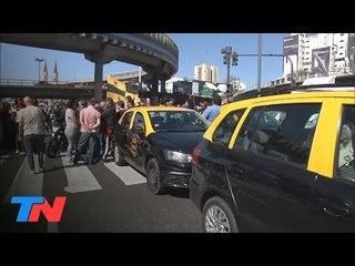 Taxis vs. Uber | Otra protesta de taxistas contra Uber y Cabify