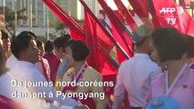 Danses à Pyongyang pour célébrer Kim Jong Il, le père de l'actuel dictateur