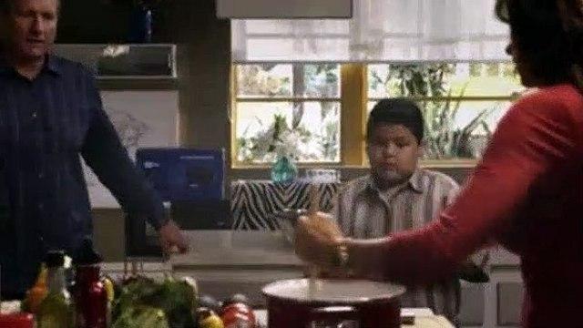 Modern Family Season 2 Episode 2 The Kiss