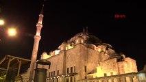 İstanbul'da 'barış pınarı harekatı' için camilerde fetih suresi okundu