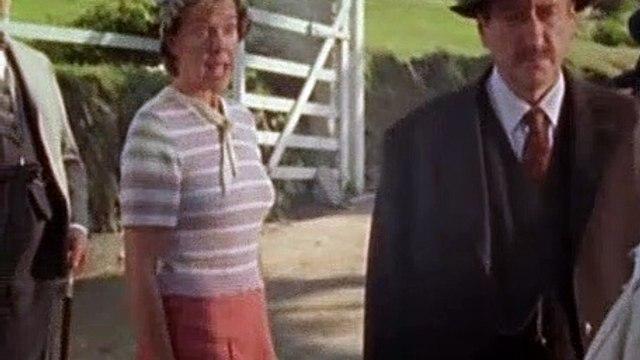 Agatha Christie's Poirot Season 8 Episode 1 Evil Under the Sun (2002) Part 02
