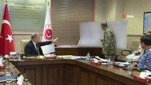 Millî Savunma Bakanı Hulusi Akar, TSK Komuta Kademesi'nin de katılımıyla Barış Pınarı Harekâtı ile ilgili toplantı yaptı. Bakan Akar toplantıda 342 PKK/PYD-YPG'li teröristin etkisiz hale getirildiğini söyledi.