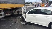 Otomobil ile tır çarpıştı: 2'si çocuk 5 yaralı