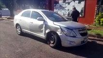 Mulher fica ferida após colisão entre carros no Centro