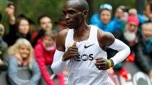 Marathon : Eliud Kipchoge passe sous la barre des deux heures, un record !