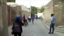Kadın muhabir, Nusaybin'deki terör sevicilere böyle ayar verdi!