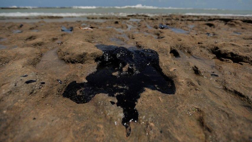 Brazil oil spill: Origin of sludge remains unclear