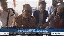 Aburizal Bakrie Jenguk Wiranto