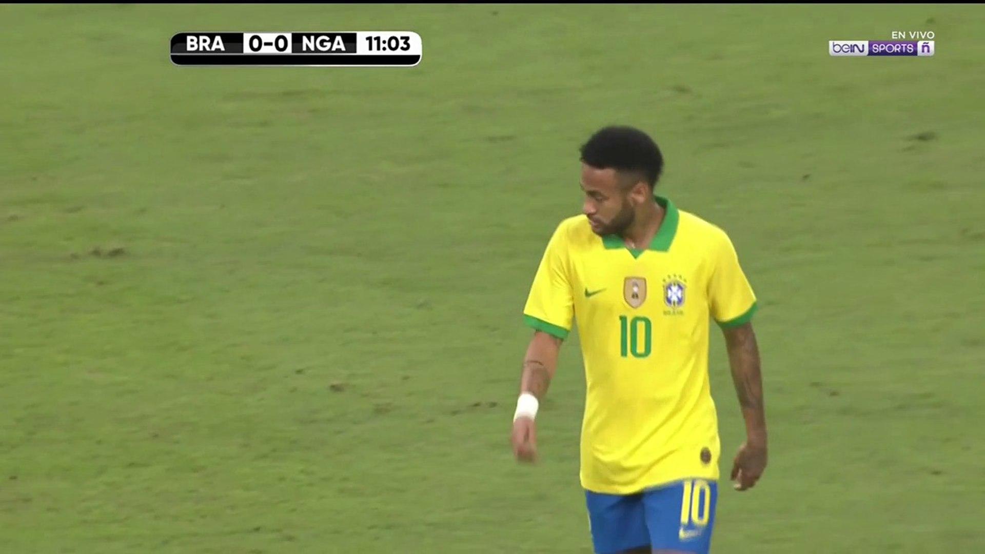 Neymar sale del partido ante Nigeria