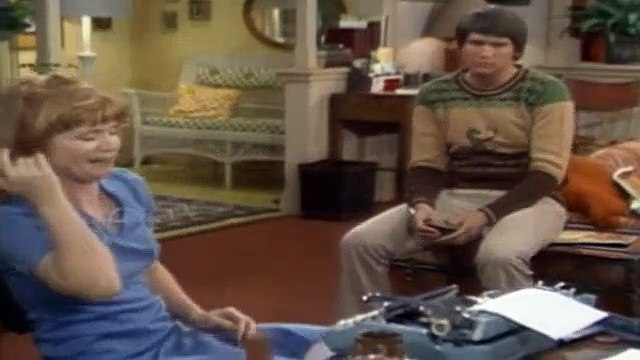 One Day at a Time Season 3 Episode 6 Bob Loves Barbara