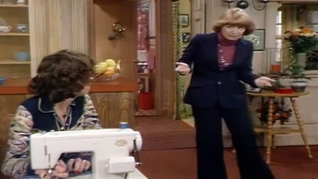 One Day at a Time Season 3 Episode 9 Barbara's Friend Pt1