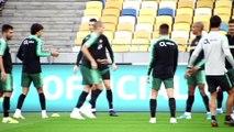 Ronaldo stars in Portugal training in Kiev