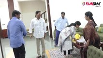 Chiranjeevi Meet AP CM YS Jagan Tadepalli House || రాం చరణ్ గైర్హాజరుకు కారణం ఏంటి..??