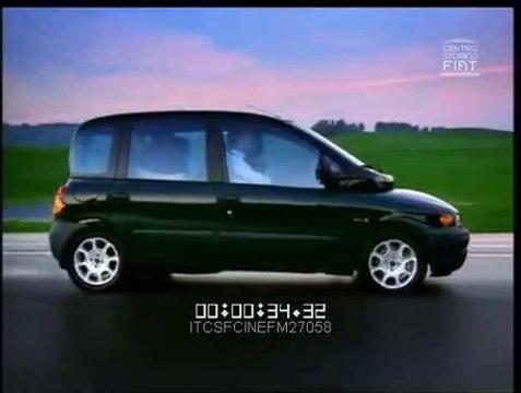 VÍDEO: ¿Os acordáis del Fiat Multipla? Así eran sus anuncios... ¡Pura extravagancia... como el coche!