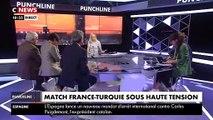 France-Turquie: Les supporters turques défilent ce soir en faisant le salut militaire à l'extérieur du Stade de France