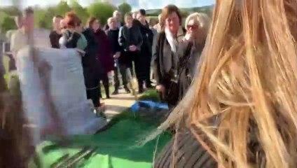 La broma de un hombre muerto a su familia y amigos que les hizo reírse en su entierro