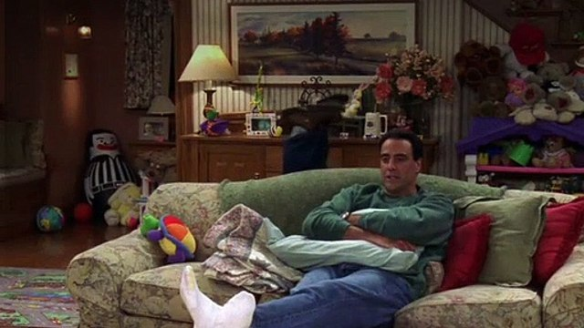 Everybody Loves Raymond S03E25 Robert Moves Back