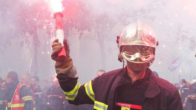 Pompiers en colère à Paris : des tensions en fin de cortège