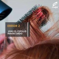 4 errores que están esponjando tu cabello y dejándolo con frizz