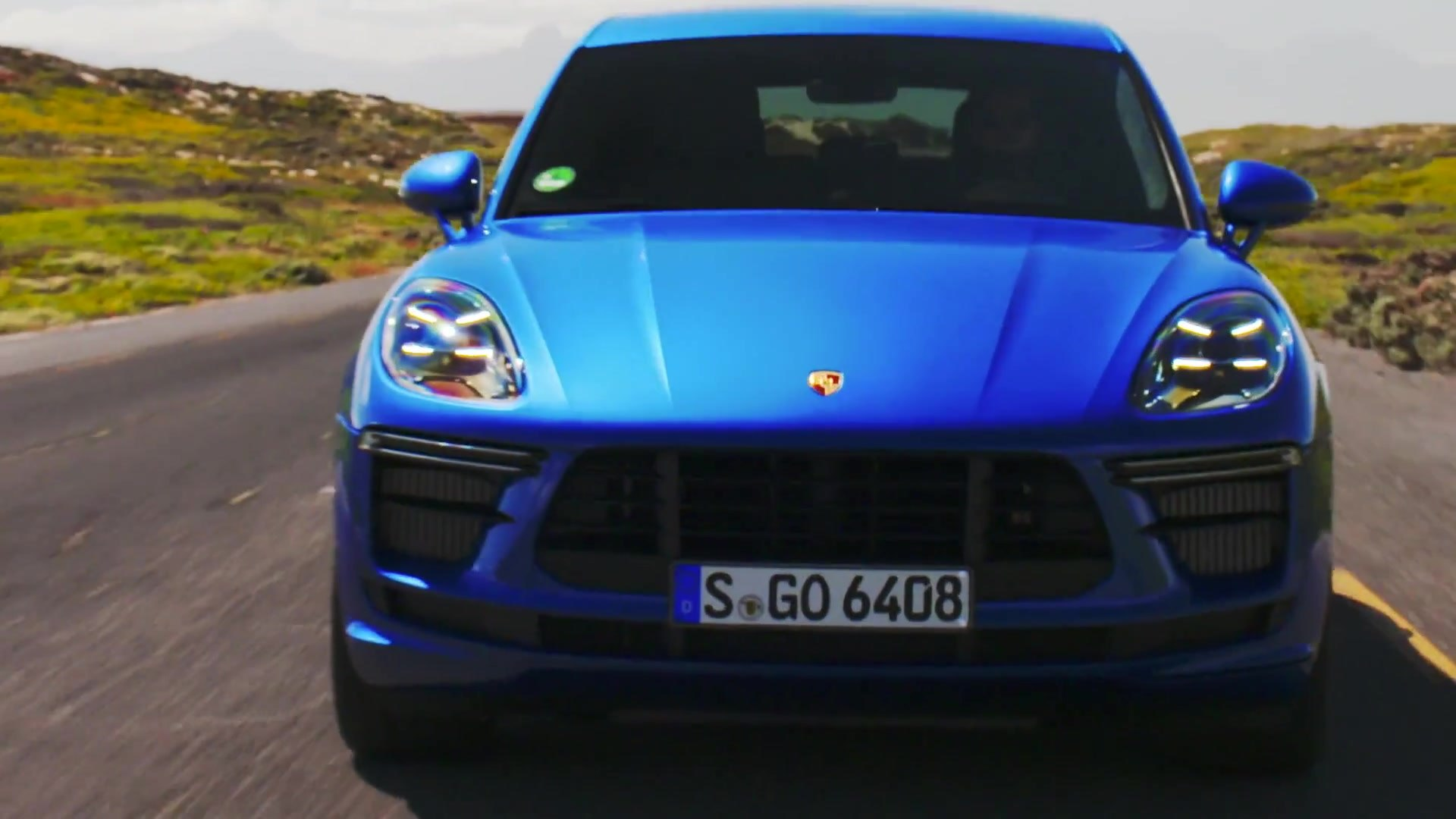 Porsche Macan Turbo In Sapphire Blue Metallic Driving Video Video Dailymotion