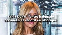 Zahia Dehar : moment de détente entre baignade torride et canard en plastique