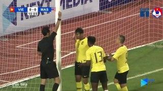 Highlights | Việt Nam 1-0 Malaysia | Siêu phẩm đẳng cấp, người hùng quen thuộc | VFF Channel