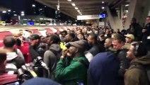 Des militants d'Extinction Rebellion pris à partie à Londres, alors qu'ils bloquaient le métro